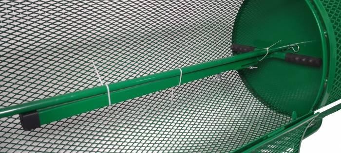 Landzie 44 inch compost spreader internal view